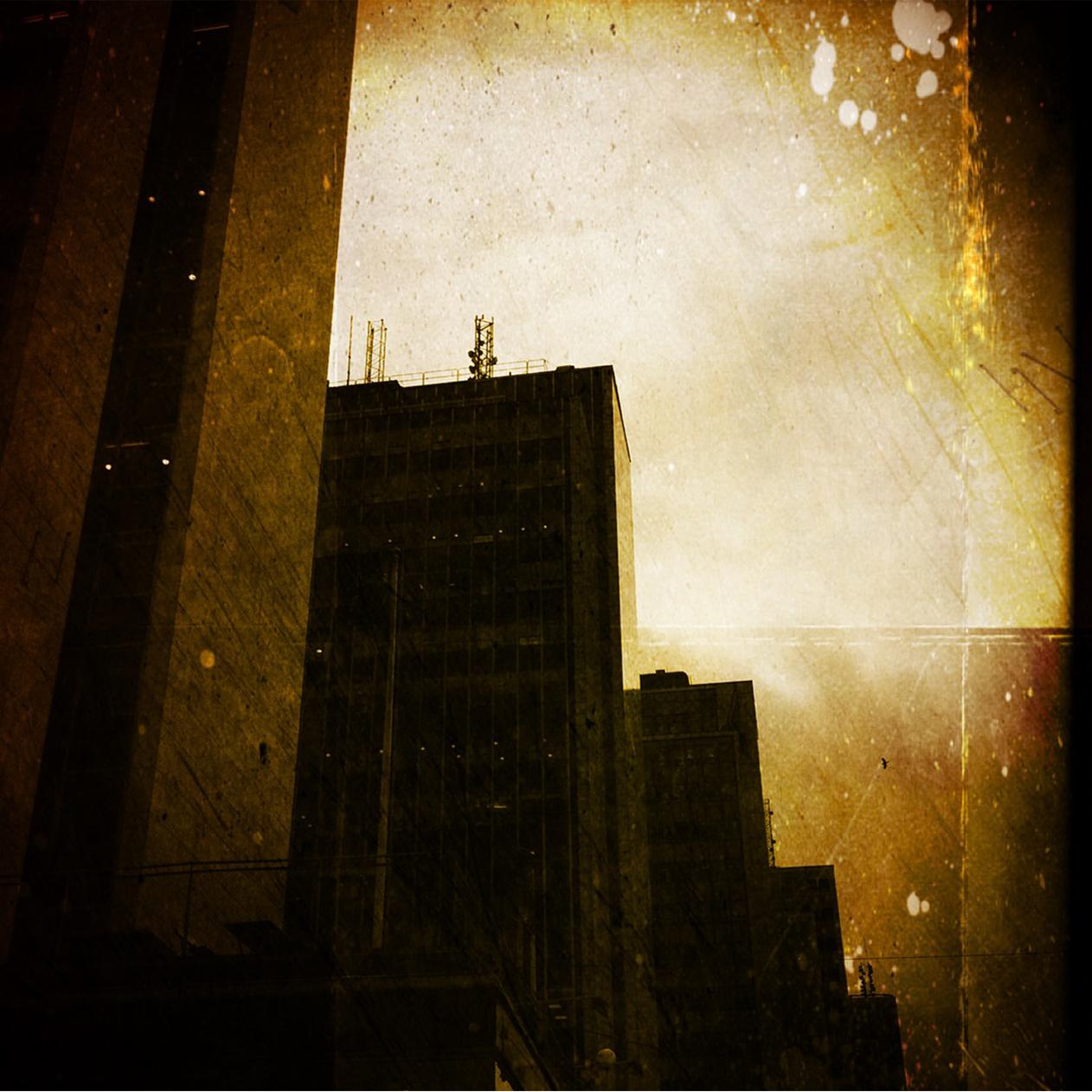 Fabriken - Där det Alltid regnar - parallax-ipad